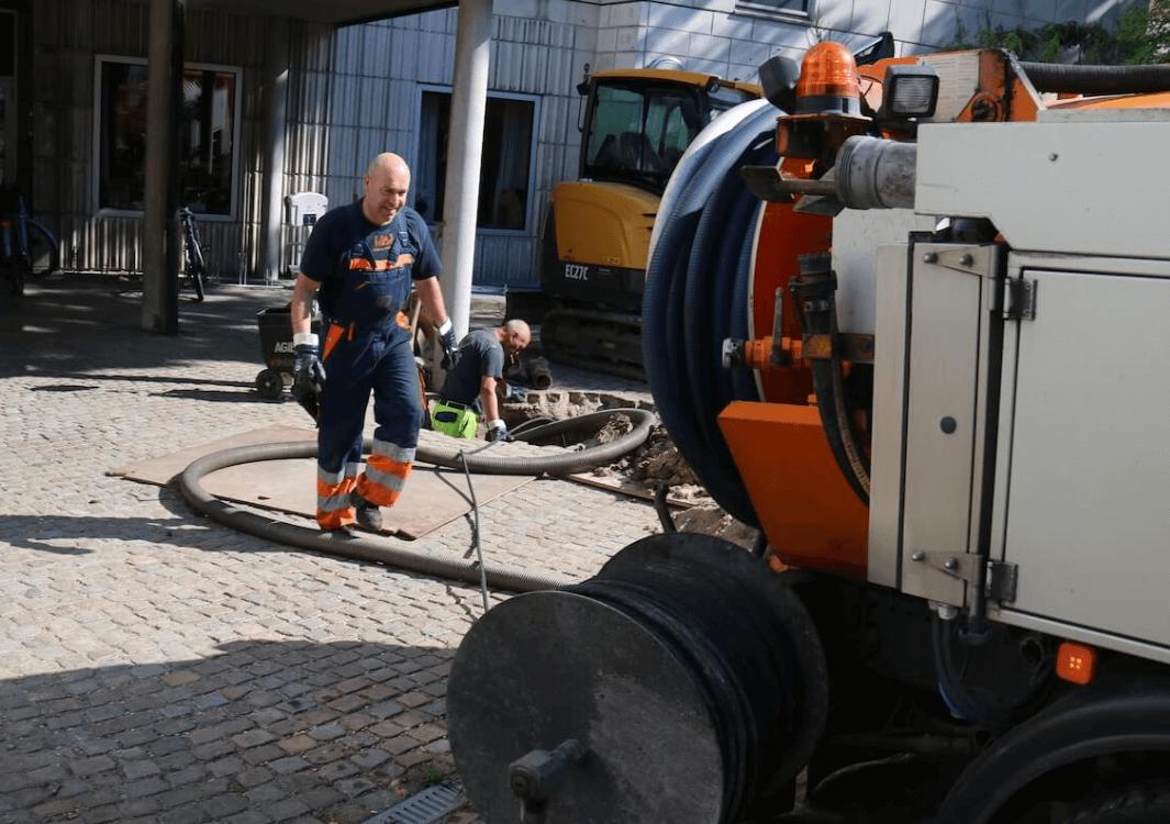 service-kloakrensning-og-slamsugning